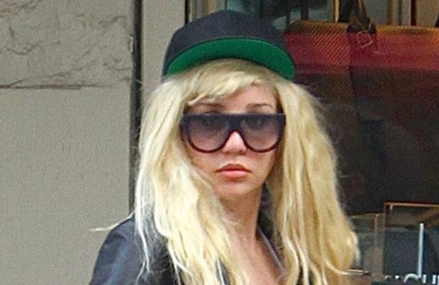 Аманда Байнс. В 2013 году актрису арестовали в Нью-Йорке, когда она выкинула из окна своей квартиры сигарету с марихуаной, которая упала на голову прохожему.