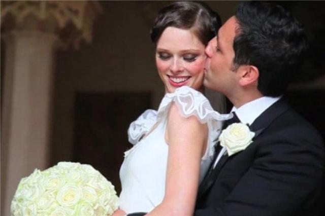В 2010 году Джеймс сделал Коко предложение руки и сердца и она согласилась. Через несколько месяцев, в кругу друзей и семьи, все в том же старинном замке молодые устроили свадьбу.