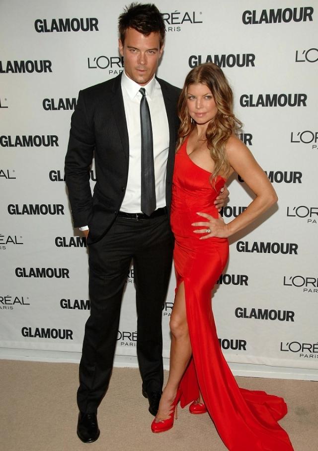 Однако ее супруг, Джош Дюамель, явно в восторге от своей дюймовочки в 158 сантиметров роста.