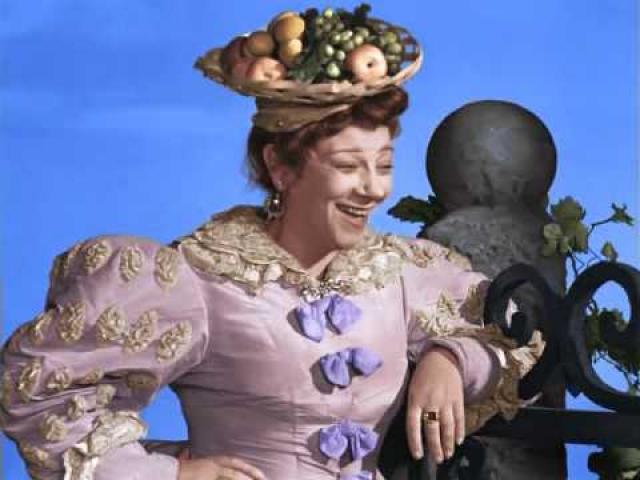 """Одной из самых любимых ролей Фаины была Мачеха в """"Золушке"""". У зрителей эта отрицательная героиня вызывала настоящий восторг."""