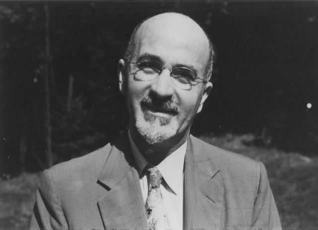 Уолтер Фримэн . Был невропатологом, закончившим Йельский университет и университет военно-медицинской школы в Пенсильвании. Всесторонне изучал и применял метод лоботомии.