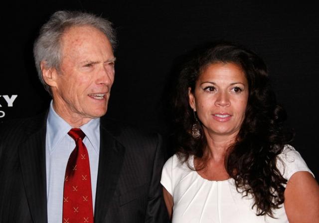 Клинт Иствуд и Дина Руиз (разница - 40 лет). 87-летний актер всю жизнь был дамским угодником, не растеряв таланты и к старости.