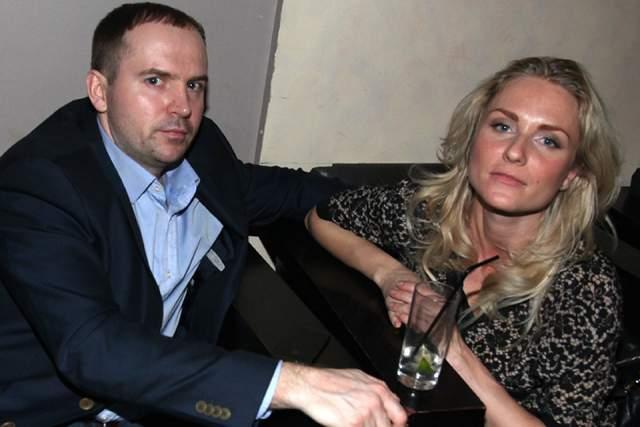 Екатерина Гордон - Сергей Жорин Брак адвоката и журналистки был очень тяжелым. Поженились они буквально месяц после знакомства, а первые побои начались еще когда Катя была беременной - муж пнул ее ногой в живот.