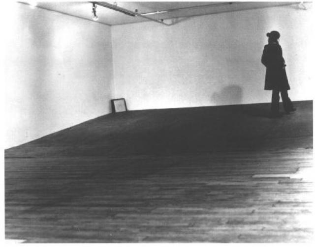 """""""Seedbed"""". В 1972 году посетителей своей выставки шокировал Вито Аккончи в нью-йоркской галерее """"Sonnabend""""."""