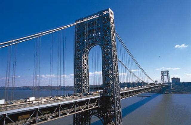 Приводнение - последний шанс рейса 1549. Но на пути самолета возникает преграда высотой 180 метров - мост Джорджа Вашингтона.