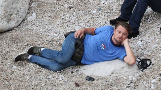Также актер чуть не погиб совершая прыжок с парашютом: его парашют не раскрылся, и только благодаря инструктору получилось открыть запасной.