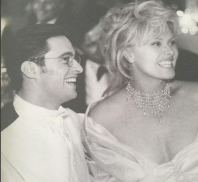 Вскоре после этого, в апреле 1996 года, невзирая на 13-летнюю разницу в возрасте, пара расписалась.