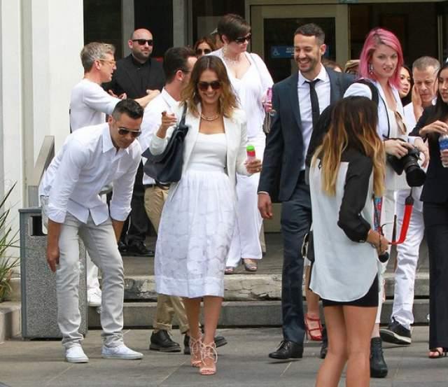 Джессика Альба и Кэш Уоррен. Актриса вышла замуж за кинопродюсера в 2008 году втайне от всех - даже своих близких.