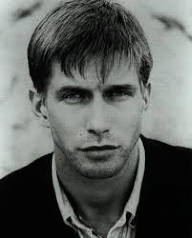 """Стивен Болдуин. Один из братьев-актеров стал настоящей звездой в конце 80-х - начале 90-х. В 1995 году получил премию Национального совета критиков в номинации """"лучшая роль"""" за фильм """"Подозрительные лица""""."""