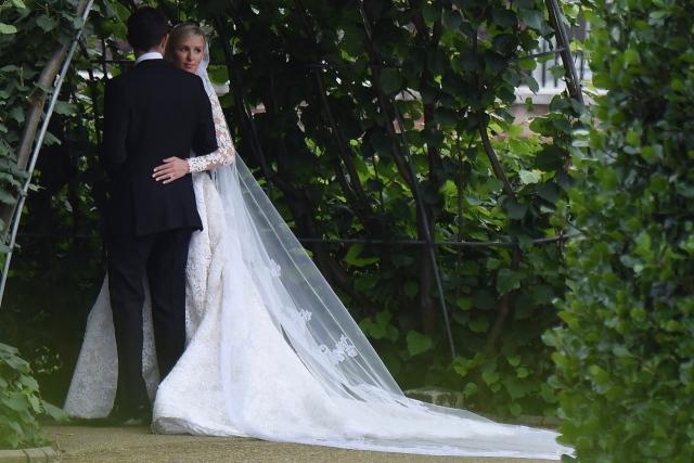 Наследница гостиничной сети Хилтон Никки Хилтон вышла замуж за богатого наследника Джеймса Ротшильда 10 июля.