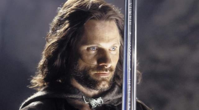 Таунсенд месяцами готовился к роли, но вскоре после начала сьемок Джексон решил, что Арагон должен выглядеть старше. Таунсенду пришлось уйти с пустыми руками, а ему на замену пришел Вигго Мортенсен.