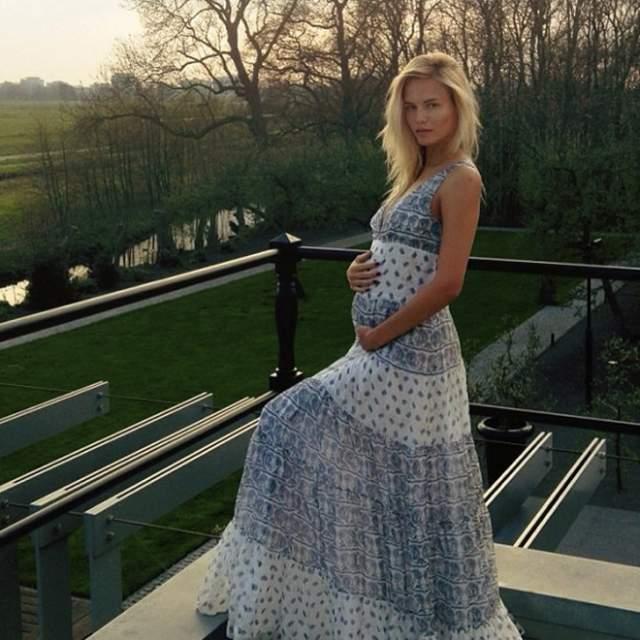 Сейчас у четы Баккер есть дочь Александра Кристина, ей пять лет. В ноябре пресса сообщила, что 33-летняя пермячка беременна вторым ребенком.