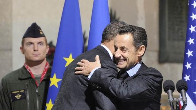 """В ноябре 2011 года, за два осенних дня президент Франции Николя Саркози оскандалился так, что безвозвратно испортил свою репутацию на предстоявших выборах. Из-за ошибки организаторов саммита """"Большой двадцатки"""" журналисты услышали беседу Саркози и Обамы через аппараты с синхронным переводом."""
