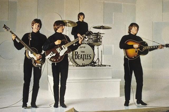 The Beatles создали одни их первых клипов в истории телевидения. Это было сделано потому, что у ребят не было времени участвовать в шоу и съемках из-за плотного графика.