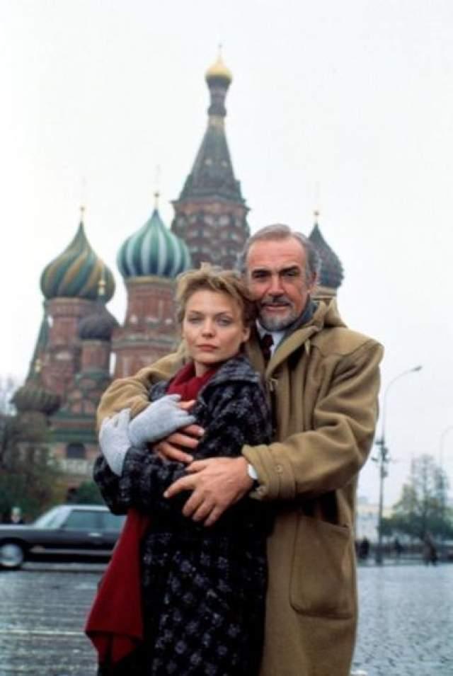 """1990 год, Шон Коннери и Мишель Пфайффер на съемках фильма """"Русский дом""""."""