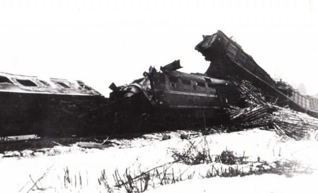 Следуя к станции, машинист пассажирского поезда на вызовы по радиосвязи не отвечал.