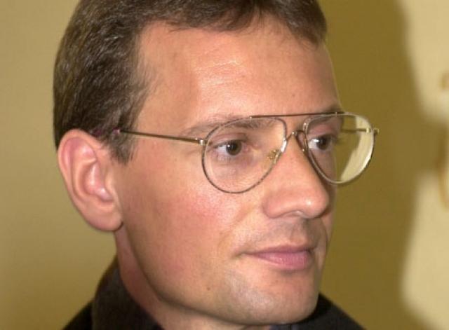 В апреле 2001 Руст предстал перед судом по обвинению в краже свитера в универмаге. Сейчас Матиас Руст зарабатывает на жизнь игрой в покер.