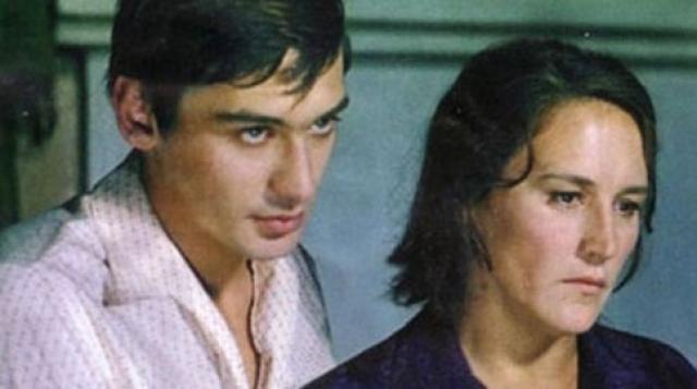 Сын Нонны Мордюковой и Вячеслава Тихонова Владимир вырос настоящим красавцем и, конечно же, построил блестящую кинокарьеру, снялся в 20 картинах, был удостоен звания Заслуженного артиста РСФСР.