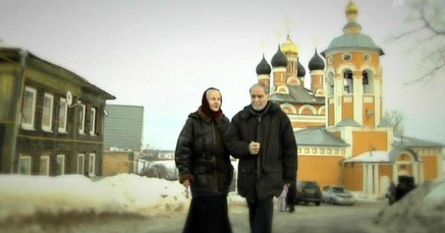 """Не способствует возвращению Заманского и Климовой к мирской жизни и обстановка в стране. """"Россия сейчас находится на изломе, – говорит Владимир Петрович, – но одни идут к богу, а другие – к сребролюбию, измеряя жизнь количеством денег..."""
