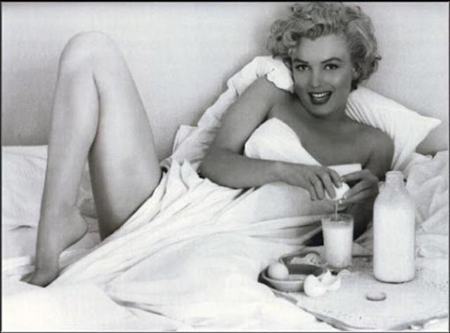 Мэрилин стала первой знаменитостью в журнале.