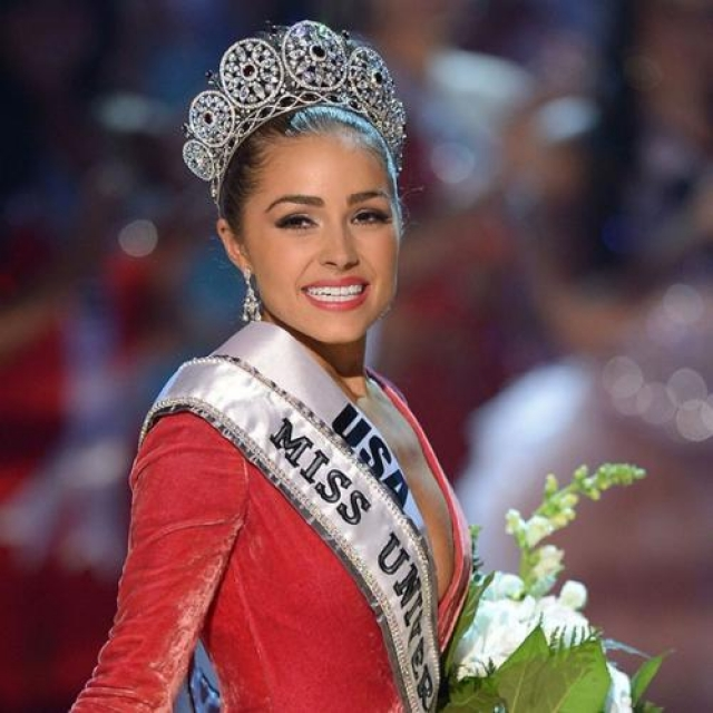 Оливия Калпо, США. «Мисс Вселенная — 2012». 20 лет, рост 165 см.