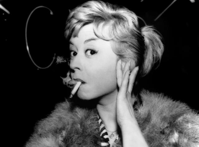 """""""Муза Феллини"""", """"дитя-клоун"""" и """"Чаплин в юбке"""" - так называла актрису пресса в разных уголках мира. Даже сам Чарли Чаплин написал: """"Этой актрисой я восхищен больше, чем кем бы то ни было""""."""