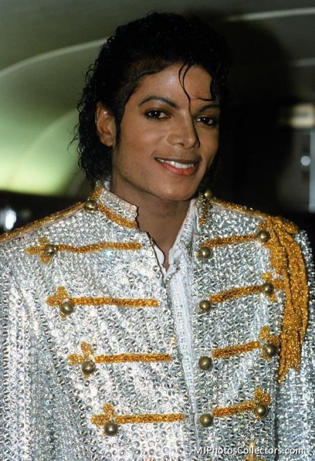 В 1984 году до Майкла Джексона дошли известия, что каталог Beatles выставлен на продажу, как часть активов ATV Music. Он поручил своим адвокатам приобрести песни, если это возможно.