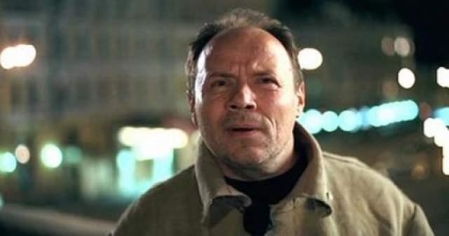 """Так, во время съемок """"Ночного дозора"""" у Алексея Маклакова, сыгравшего светлого мага, в результате инсульта умерла мама, а сам актер после съемок перенес микроинфаркт."""