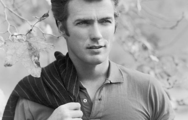 """В последние годы Иствуд стал режиссером и на этом поприще добился огромного успеха и признания кинокритиков. Его работы: """"Парни из Джерси"""", """"Американский снайпер"""" с Брэдли Купером в главной роли."""