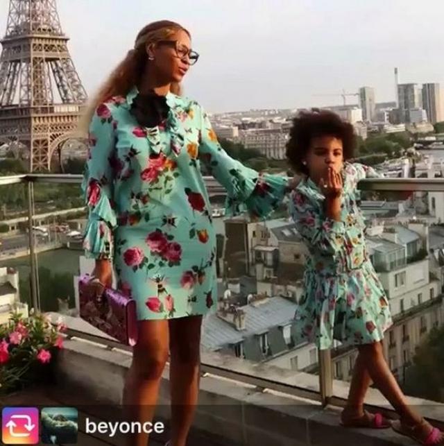 Бейонсе любит показывать модные наряды девочки и то, как они посещают светские мероприятия.