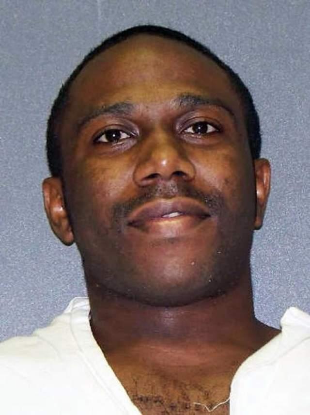 Банка Адамс Дата преступления: 2 сентября 2002 года Дата казни: 26 апреля 2012 года Возраст: 29 лет Обвинение: при ограблении магазина застрелил мужчину, попытался изнасиловать. двух женщин и скрылся с места преступления.