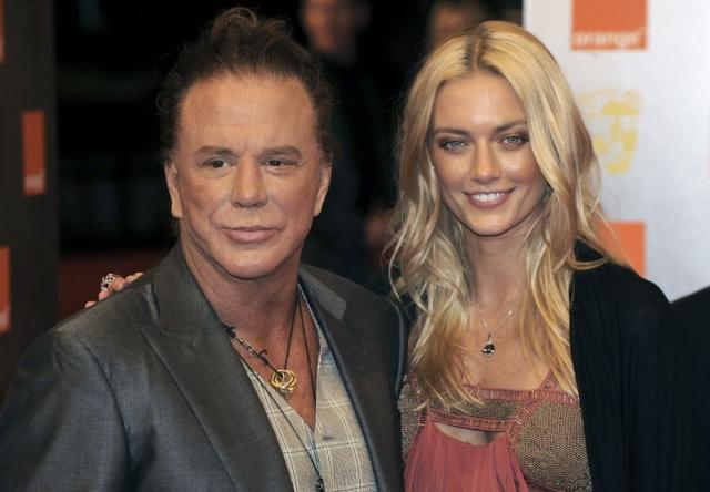 Анастасия Макаренко и Микки Рурк. Блондинка-модель очаровала актера в 2008 году на показе мод в Нью-Йорке.