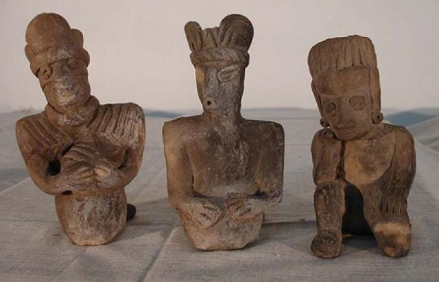 Предположив, что эти статуэтки принадлежат древней культуре Чупикуаро, Юльсруд положил начало коллекции из 33 тысяч фигурок людей и животных. Он искал их сам и скупал статуэтки у местного населения по цене 10 центов за штуку.