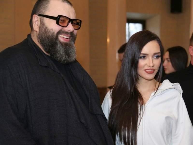 """Новости дня: """"Я его очень люблю"""": Серябкина отреагировала на слухи о романе с Фадеевым"""