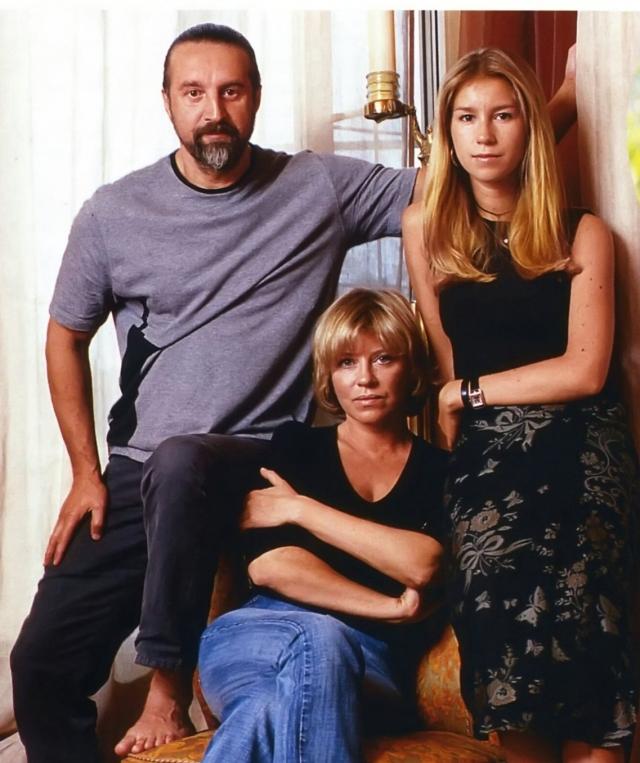 Спустя несколько лет после смерти Высоцкого Оксана вышла замуж за актер. У супругов родилась дочь Александра. Они живут вместе уже более 30 лет.