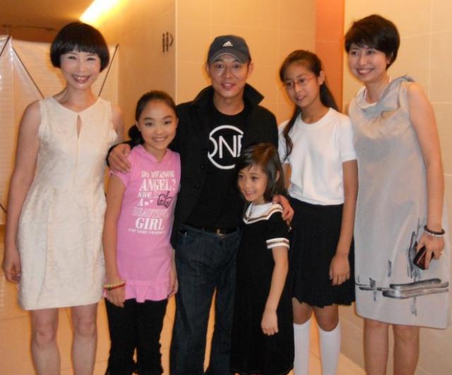 Старшая дочь актера Джетта Ли также обладает далеко не модельной внешностью, даже если учесть ее азиатские корни.