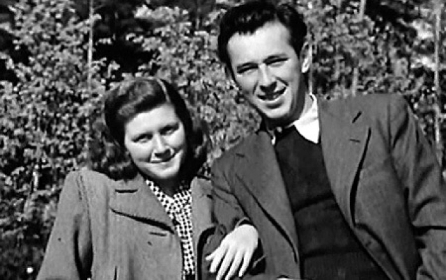В 1944 году Светана вышла замуж за Григория Морозова, одноклассника своего брата Василия, с которым вскоре развелась. Сын, родившийся в этом браке, Иосиф Аллилуев стал кардиологом, доктором медицинских наук.