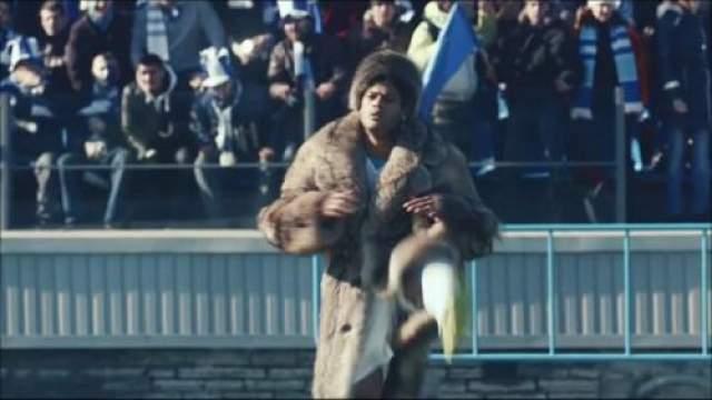 """Весной 2014 года страховая группа СОГАЗ, являющаяся спонсором чемпионата России по футболу, в своем рекламном ролике сняла бразильского нападающего питерского """"Зенита"""" Халка."""