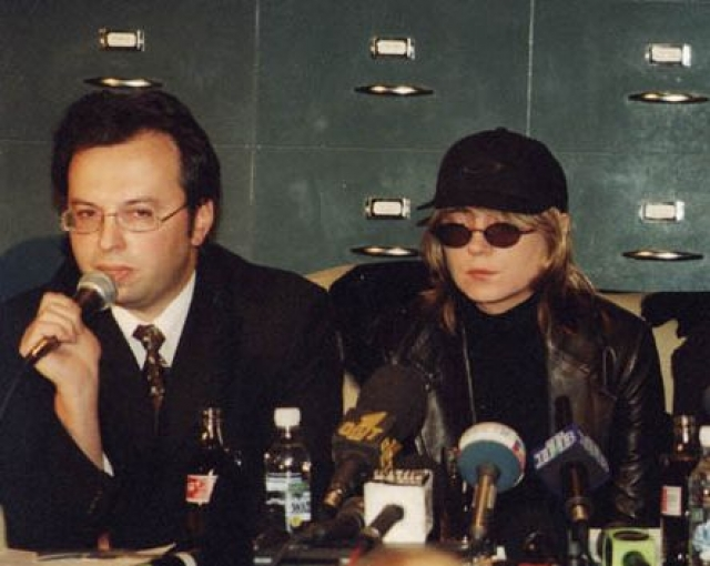 """Как известно, после возвращения в Москву 24-летняя певица с """"обостренным чувством справедливости"""" и ее команда провели пресс-конференцию, на которой представили свою версию случившегося."""