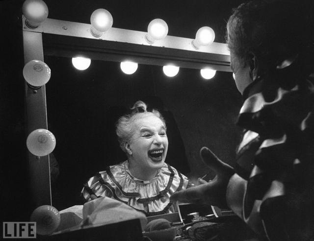 Чарли Чаплин (W. Eugene Smith, 1952). 63-летний актер.