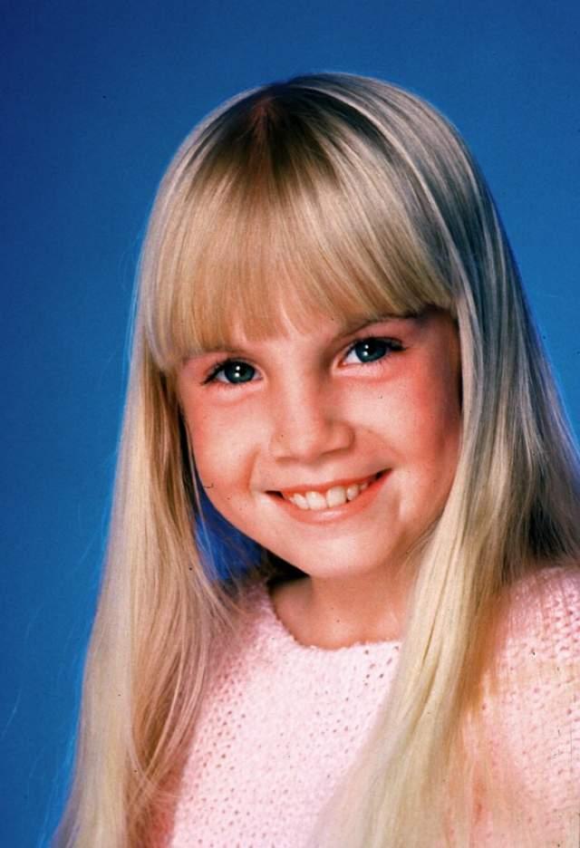 Спустя несколько лет во время операции умерла Хезер О'Рурк. Ей было 12 лет. Она так и не успела до сняться в третьей части и не дождалась премьеры фильма, где ее роль доигрывала уже дублерша.