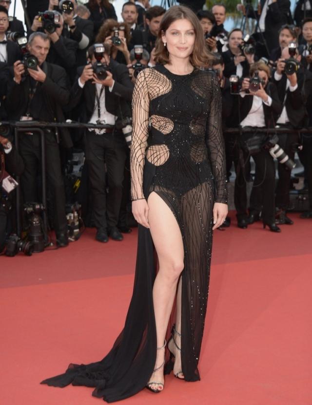"""Летиция Каста. Порой """"голые"""" платья смотрятся стильно и элегантно, но не этот наряд французской модели и актрисы."""