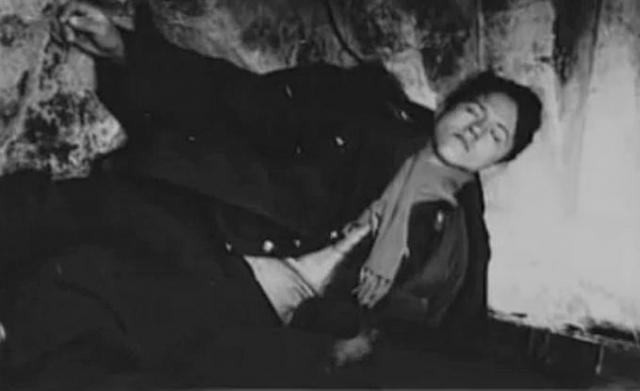 """Официально было объявлено, что """"провокатор"""" покушался на космонавтов. Он сразу же произвел на следователей впечатление человека, страдающего психическим заболеванием. Ильин был признан невменяемым и в мае 1970 года помещен в Казанскую специальную психиатрическую больницу, где содержался в полной изоляции в одиночной палате площадью 4,2 м²."""