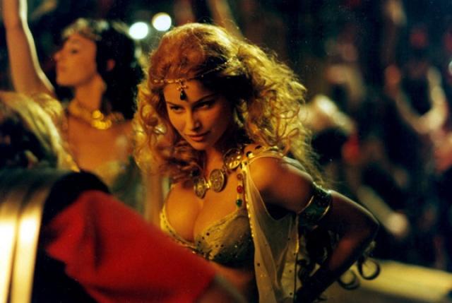 """Летиция Каста. После дебюта в """"Астериксе и Обеликсе"""" французскую супермодель ждали достаточно серьезные успехи в кино."""