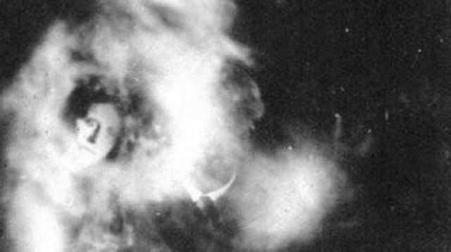 Фотографии обнаружили в записях подполковника Гордона Такера, которые хранились все это время в Государственном архиве Северной Ирландии.