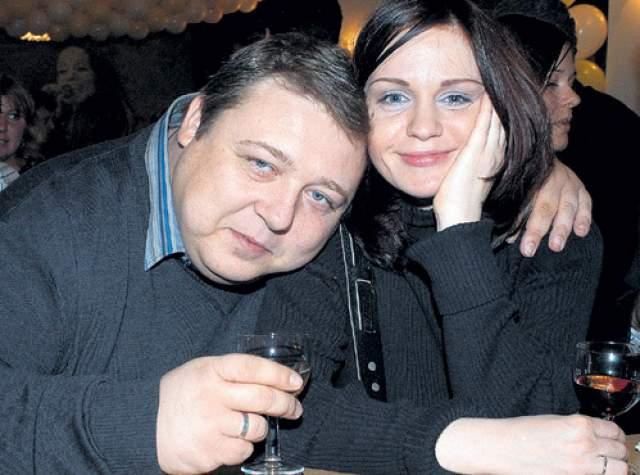Александр Семчев. Упитанный актер был женат на художнице по костюмам Людмиле, которая отличалась весьма миниатюрной фигурой.