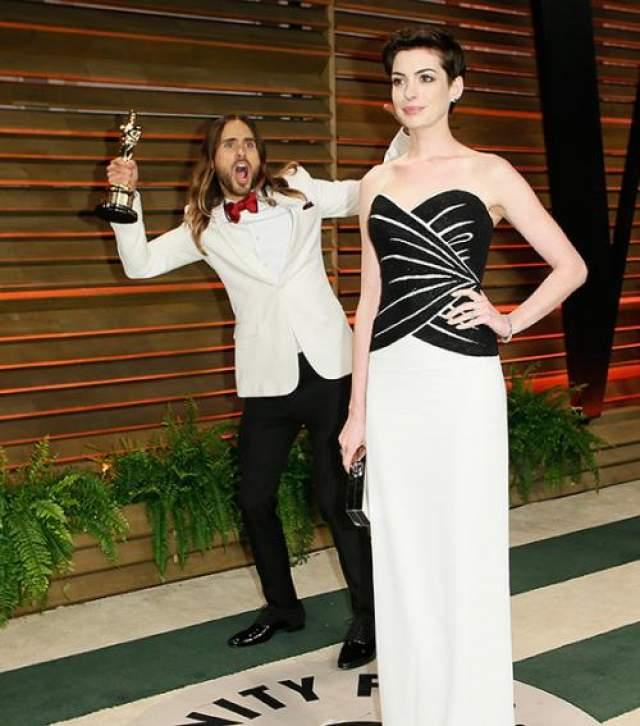 """Лето вообще мастер делать фотобомбы. В списке его """"жертв"""" числится также Анн Хэтэуэй, получившая """"Оскар"""" в 2013 году."""
