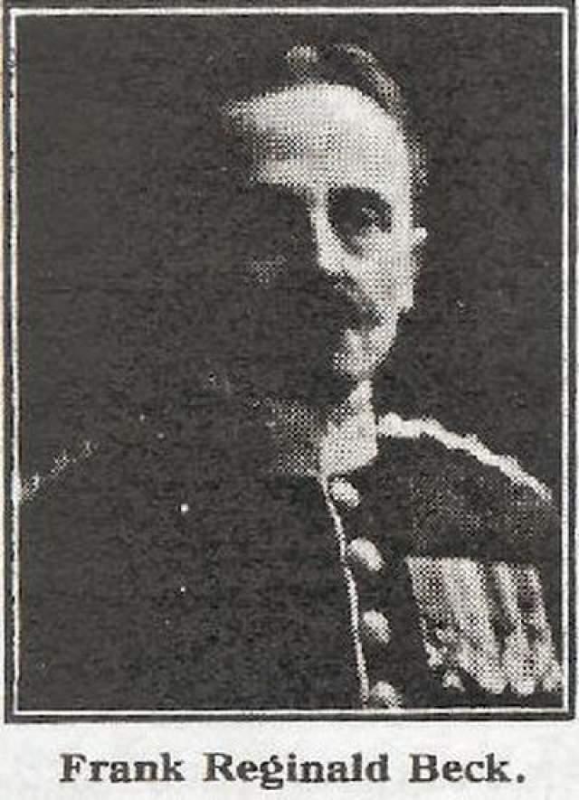 На фото: старший офицер пропавшей без вести Сэндрингэмской роты капитан Фрэнк Реджинальд Бек.