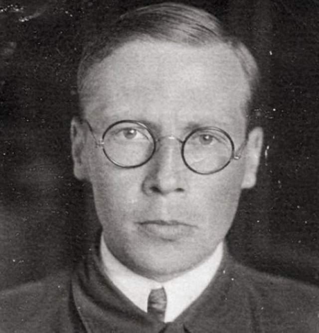 Николай Заболоцкий Поэт и переводчик 19 марта 1938 года был арестован и осужден по делу об антисоветской пропаганде. Срок отбывал до 1943 года в системе Востоклага в районе Комсомольска-на-Амуре, позже в системе Алтайлага в Кулундинских степях.