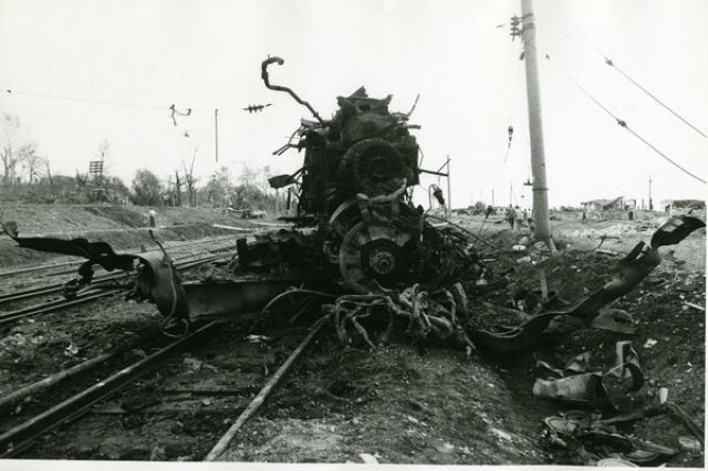 Это случилось на северо-западной окраине города Арзамаса, когда на подходе к станции Арзамас-1 взорвались три вагона грузового поезда № 3115, следовавшего в Арзамас-16 из Дзержинска с завода имени Свердлова.
